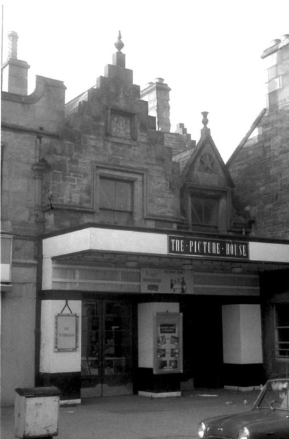 04 Dingwall Picture House
