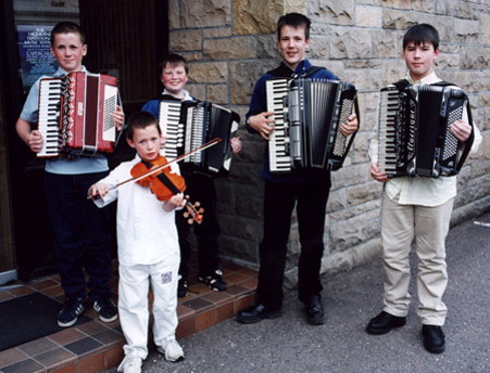 02 Dingwall Accordion and Fiddle Group