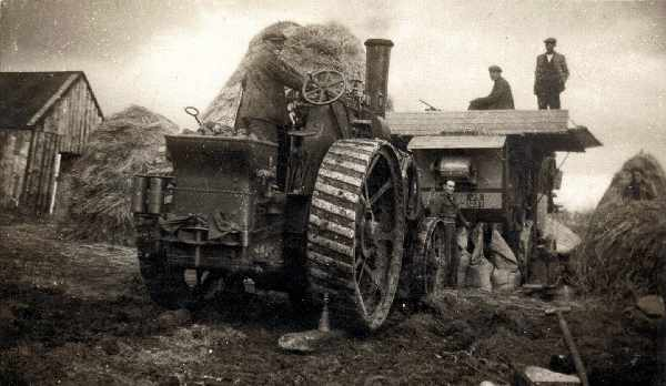 Harvesting in the 20th Century with traction engine JS1237 and threshing machine.