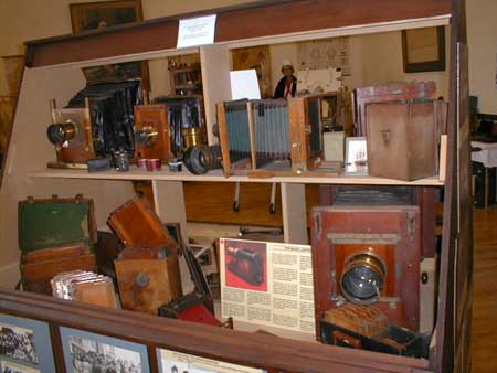 A display of antique cameras at the museum.