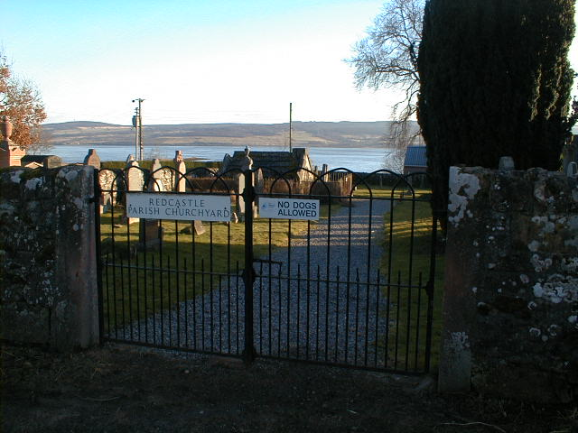 Redcastle Parish Churchyard entrance gates