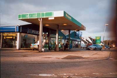 Ken's Garage, Kildary