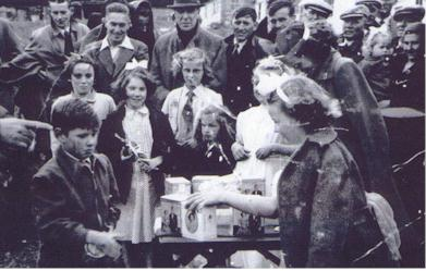 Maryburgh residents visit on coronation of Queen Elizabeth in 1953