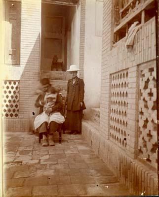 Dr Elizabeth Ross at work in Persia(?) 1911