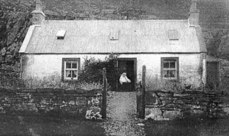 Mairi Eachainns cottage Annat