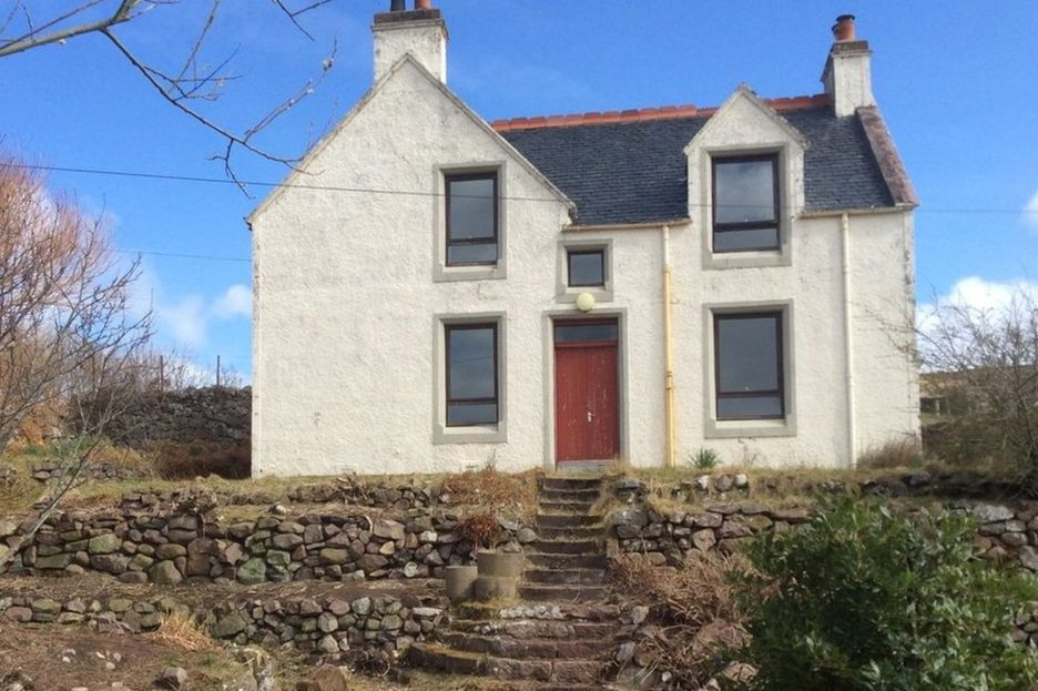 Prior to renovation commencing, Achiltibuie residents cleared the overgrown garden.