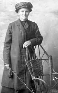 Macdonald Roderick, Mother of Lieut, Dingwall