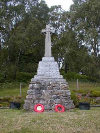 Garve War Memorial - front