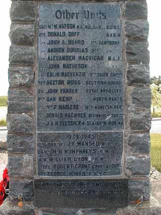 Kiltearn (Evanton) War Memorial - right