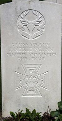 John Meikle's grave in France.